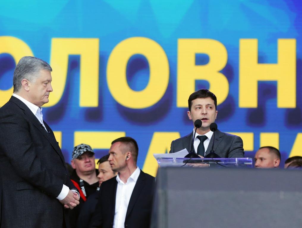 """Дебаты прошли. Цирк уехал. """"Олимпийские"""" итоги Порошенко и Зелинского."""