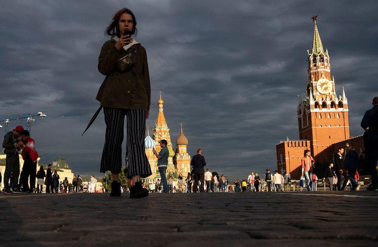Собянин заявил о нескором возвращении москвичей к жизни без ограничений